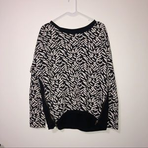 Forever 21 black & white with  side zips top LRG